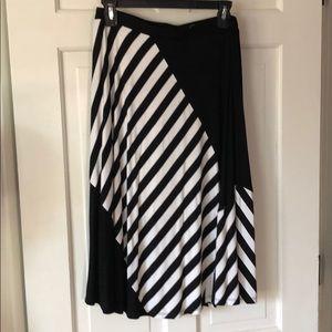 Mystree Diana Swing Skirt, Size M.